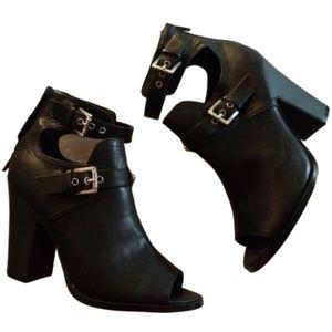 GUESS Women's Black Bootie Size 8.5 M open toe .
